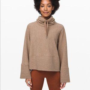 Lululemon retreat yourself pullover M/L